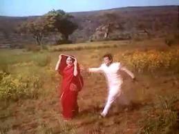 Kaliyo Ne Ghunghat Khole Har Phool pe Bhawra Dole.. -- Dil Ne Phir Yaad Kiya (1966)...