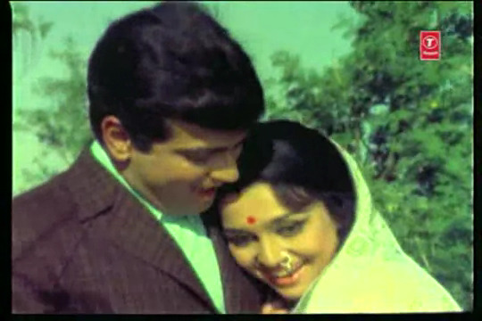 Pochh Kar Ashq, Apani Aankho Ae,Muskuraao To Koi Baat Bane---- Naya Raasta(1970).