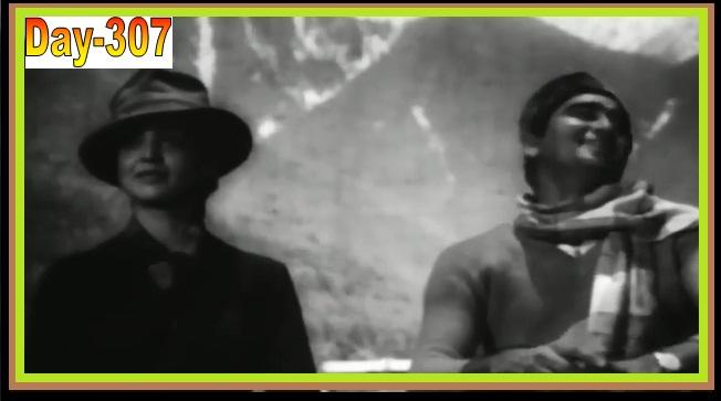 Tum Jis Pe Nazar Daalo Us Dil Ka Khudahafij FROM  Yeh Rastey Hain Pyar Ke (1963)....